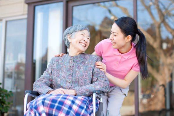 Lưu ý quan trọng khi chăm sóc sức khỏe người cao tuổi bạn nên nhớ