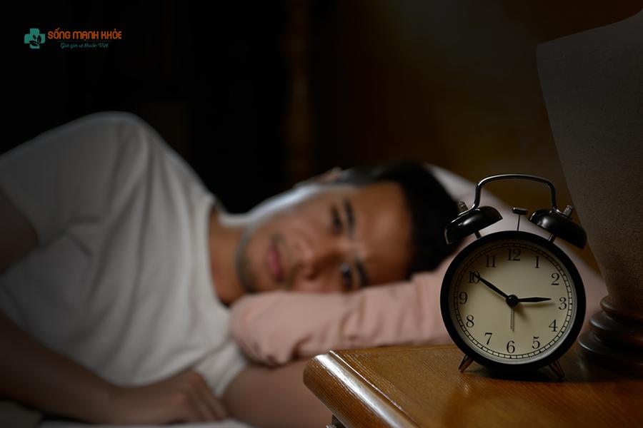 Chứng mất ngủ khiến cơ thể mệt mỏi, làm việc khó khăn